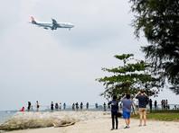 Лидер Северной Кореи Ким Чен Ын в воскресенье, 10 июня, прибыл в Сингапур рейсом принадлежащей правительству Китая авиакомпании Air China. Самолет, на борту которого, предположительно, находится политик, приземлился в аэропорту Чанги