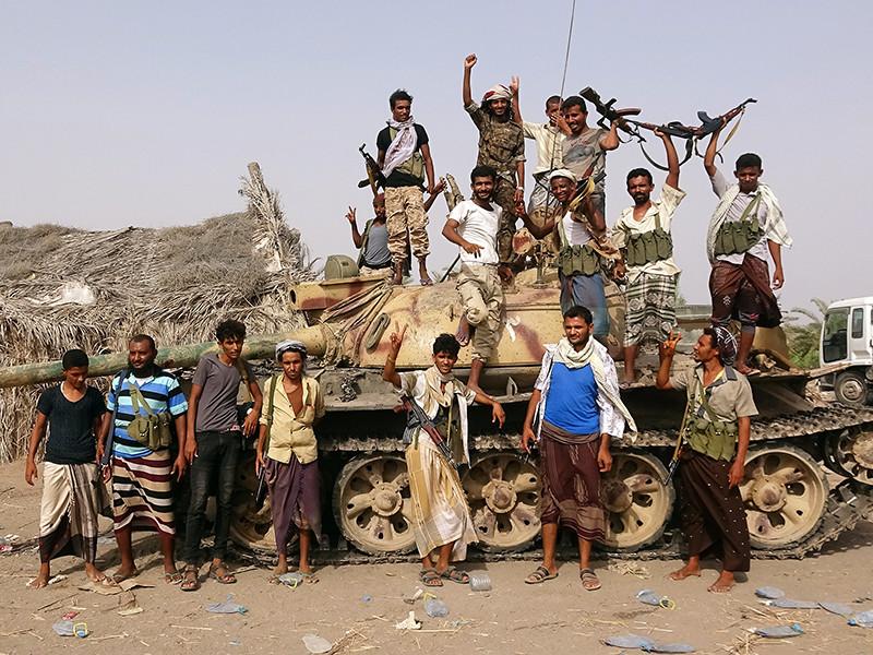"""Войска аравийской коалиции начали наступление на порт Ходейда в Йемене"""" />"""