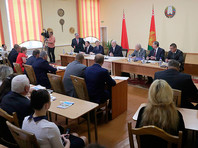 Президент Белоруссии Александр Лукашенко в ходе рабочей поездки в Шкловский район страны выступил с речью о том, что грозит государству в случае неудовлетворительных результатов экономического развития
