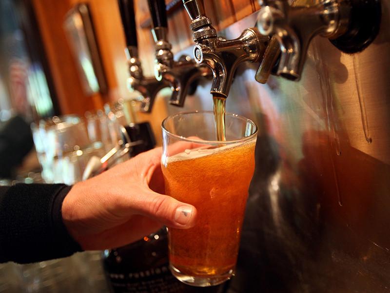 Британская торговая группа предупреждает, что сокращение в Северной Европе производства углекислого газа в скором времени может вызвать дефицит пива