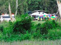 Ранее во вторник спасатели в Таиланде доставили в больницу Прачанукро четырех последних школьников и их тренера, выведенных из пещеры Кхао Луанг