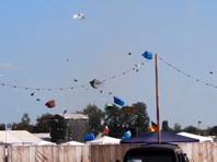 Мини-торнадо обрушился на палаточный лагерь участников музыкального фестиваля в Германии (ВИДЕО)