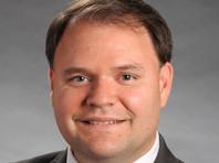 Член парламента штата Джорджия, оголившийся на ТВ-шоу, объявил об отставке (ВИДЕО)
