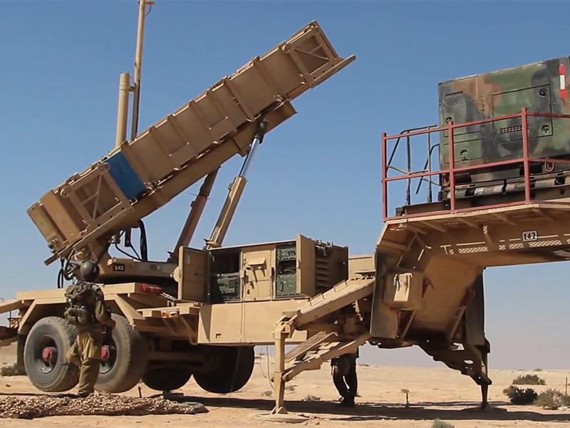 """Армия Израиля выпустила ракеты по сирийскому самолету: """"Су"""" был сбит"""" />"""