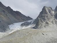 В горах Киргизии проходит операция по эвакуации группы туристов, среди которых четверо граждан России, попавших под камнепад в Аламединском районе Чуйской области, в 40 километрах от Бишкека