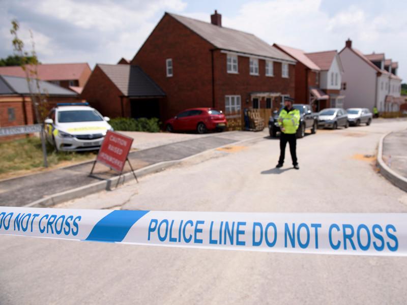 Лента полицейского ограждения у дома жертвы отравления нервно-паралитическим веществом Чарли Роули в Эймсбери