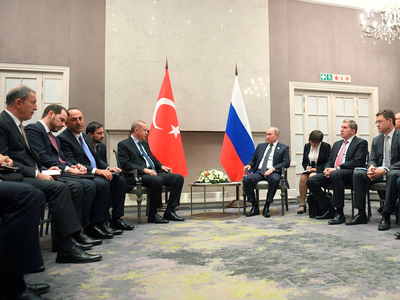 """На саммите БРИКС Путин напомнил Эрдогану о приглашении сходить вместе в ресторан"""" />"""