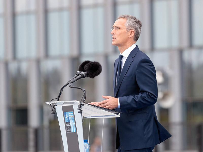 Генеральный секретарь НАТО Йенс Столтенберг поприветствовал на саммите альянса в Брюсселе президента Грузии Георгия Маргвелашвили, заверив, что союзники полностью поддерживают евроатлантические устремления Тбилиси