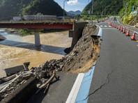 В Японии продолжает расти количество погибших из-за сильных дождей и вызванных ими наводнений и оползней