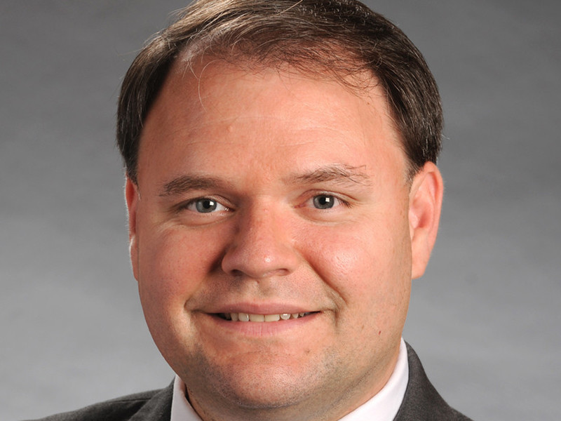 "Член парламента штата Джорджия, оголившийся на ТВ-шоу, объявил об отставке (ВИДЕО)"" />"