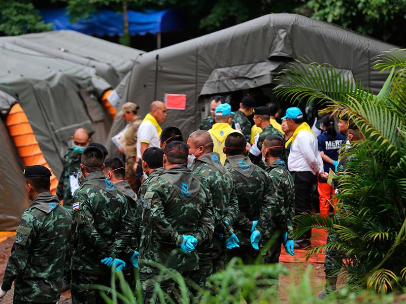 Из затопленной пещеры в Таиланде освободили всех детей и их тренера
