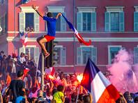 Во Франции празднование победы на ЧМ-2018 сопровождалось массовыми беспорядками (ФОТО, ВИДЕО)