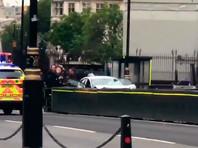 """Наезд на людей у британского парламента квалифицирован как """"террористический инцидент"""""""