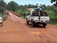 В нападении и убийстве трех россиян, членов съемочной группы, в Центральноафриканской республике (ЦАР) принимали участие не менее 10 человек, которые говорили по-арабски, а сама атака произошла в безопасном районе, пишут СМИ