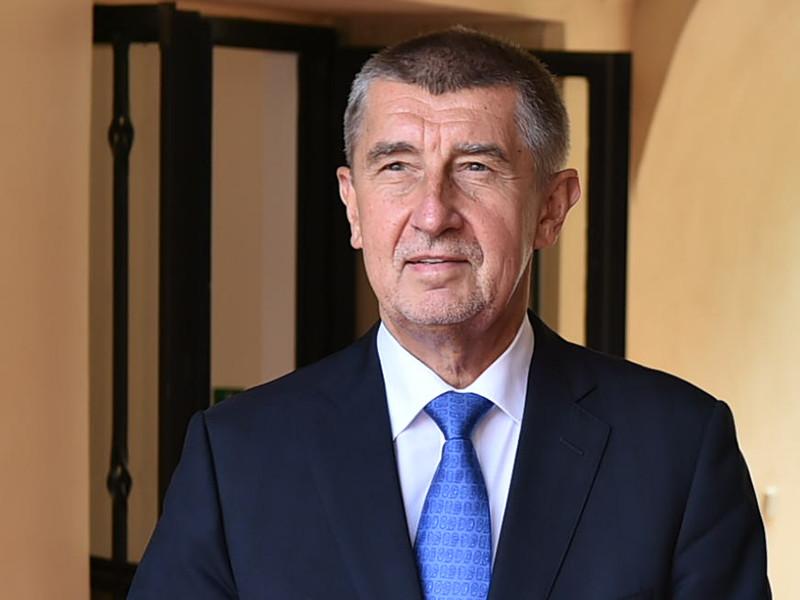 """Премьер-министр Чехии Андрей Бабиш заявил, что страна больше не будет принимать беженцев, которые """"переправляются в Евросоюз"""" через Средиземное море"""