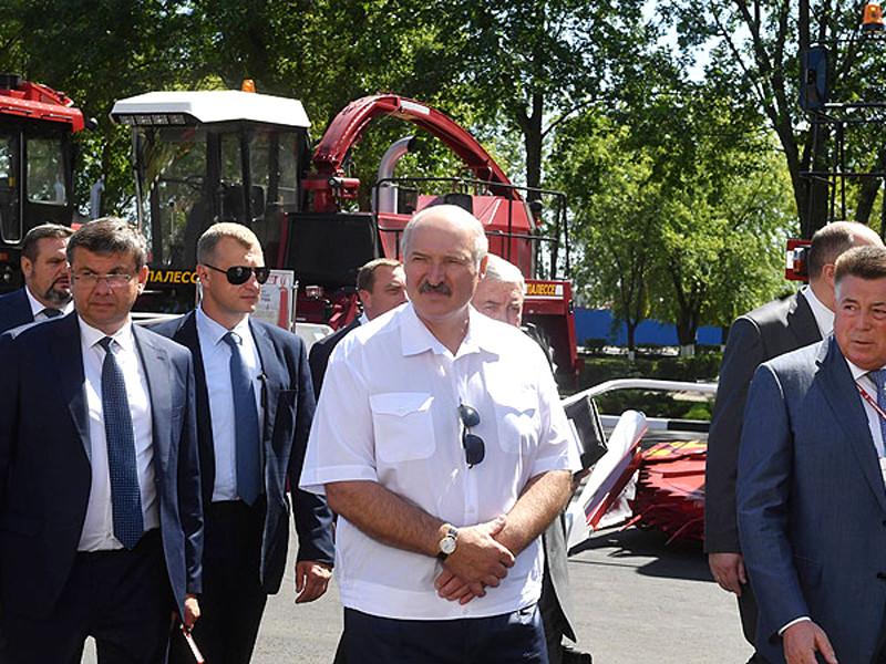 """Лукашенко раскритиковал Россию за """"варварское"""" отношение к белорусской экономике, которой нужна поддержка"""" />"""