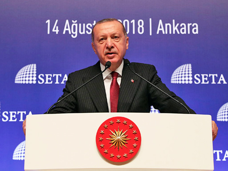 Президент Турции Тайип Эрдоган заявил о планах бойкотировать электронную продукцию производства США. Об этом он заявил во вторник во время выступления в Анкаре