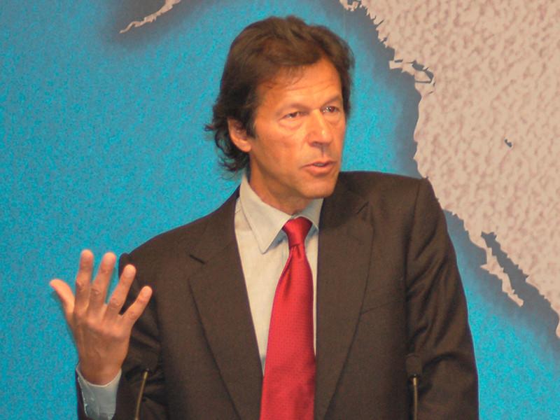 """Глава пакистанской партии """"Движение за справедливость"""" (ДЗС) Имран Хан в пятницу избран на пост премьер-министра Пакистана"""
