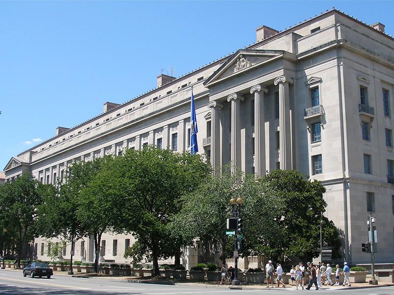 Минюст США назвал имена четверых россиян, задержанных по делу о крупном мошенничестве. Посольство РФ в США обратилось в Госдепартамент за разъяснениями