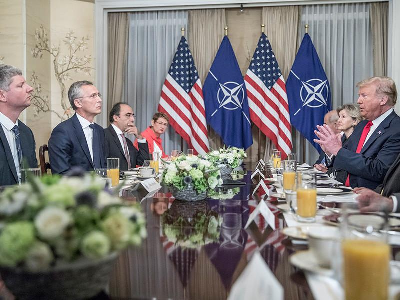 Итоговое коммюнике саммита НАТО, проходившего 11-12 июня в Брюсселе, было согласовано до начала самой встречи по просьбе помощника президента США по национальной безопасности Джона Болтона и других официальных лиц