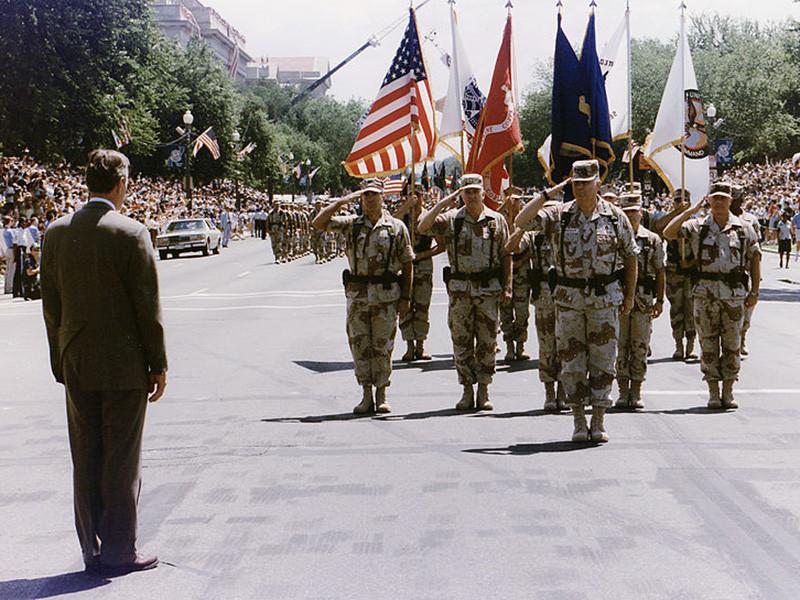 Последний раз военный парад проводился в столице США в 1991 году в честь победы в войне в Персидском заливе. В нем приняли участие около 8 тысяч военнослужащих