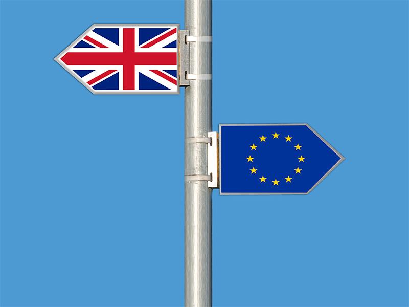 Великобритания лишит преференций трудовых мигрантов из ЕС после Brexit