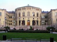 """В норвежском парламенте после визита """"шпиона"""" из Совфеда РФ запретили пользоваться принтерами"""