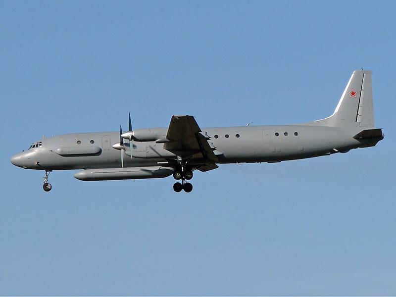 """Российский военный самолет радиоэлектронной разведки Ил-20 с 14 военнослужащими на борту пропал над Средиземным морем при возвращении на авиабазу """"Хмеймим"""""""