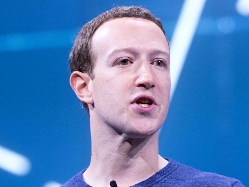"""Цукерберг: Facebook гораздо лучше, чем два года назад, готова к возможному вмешательству в выборы"""" />"""