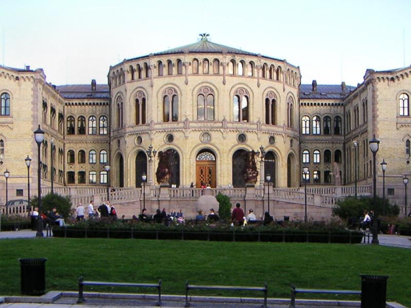 """В норвежском парламенте после визита """"шпиона"""" из Совфеда РФ запретили пользоваться принтерами"""" />"""