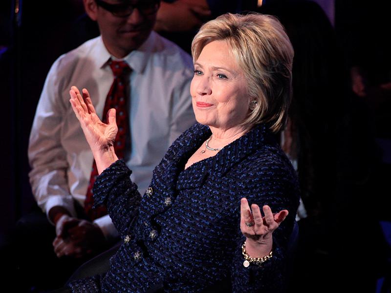 """Госдепартамент лишил Хиллари Клинтон и пятерых ее помощников доступа к секретным данным"""" />"""