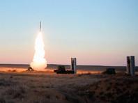 """С-400 """"Триумф"""" - новейшая зенитная ракетная система большой дальности. Предназначена для уничтожения авиации, крылатых и баллистических ракет, в том числе среднего радиуса действия, а также может применяться против наземных объектов"""
