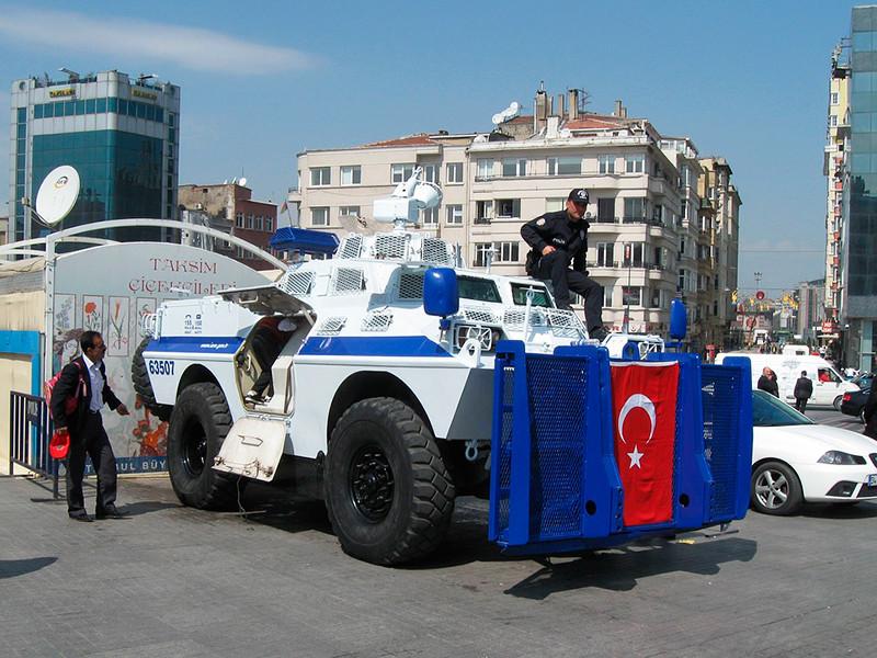 """В Турции задержали двух россиян по подозрению в принадлежности к ИГ*"""" />"""