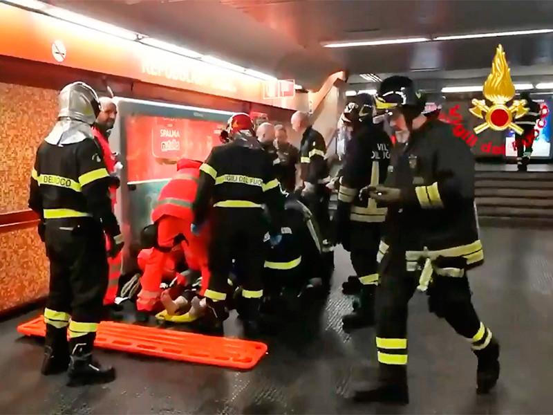 """На взбесившемся эскалаторе в Риме пострадали 15 россиян, их обвинили в пьяных прыжках"""" />"""