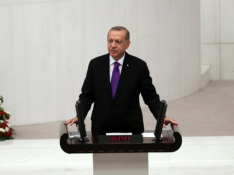 Президент Турции Реджеп Тайип Эрдоган в понедельник заявил, что верит в скорое улучшение взаимоотношений с США