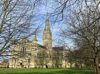 В британском Солсбери задержали мужчину за попытку украсть из собора Хартию вольностей
