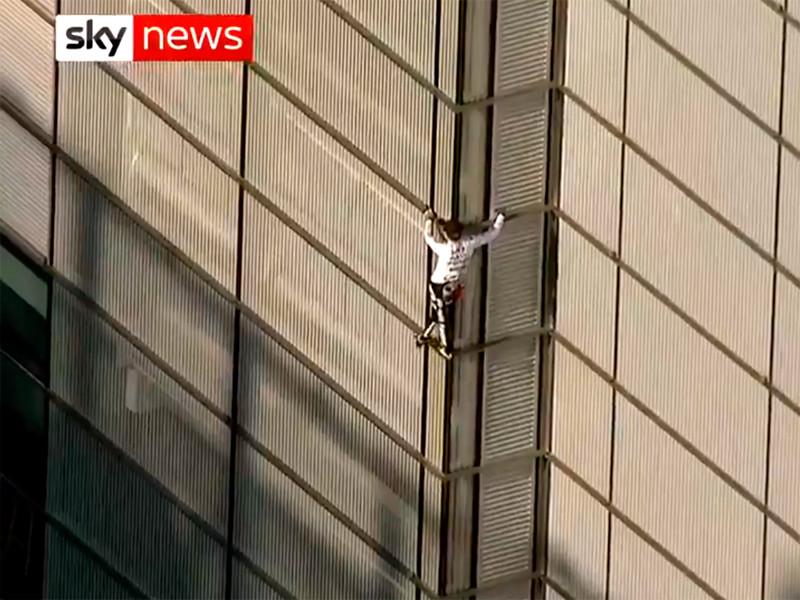 """""""Человек-паук"""" задержан после покорения небоскреба в Лондоне"""