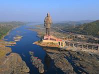 В Индии открыли самую высокую статую в мире - министру, объединившему страну