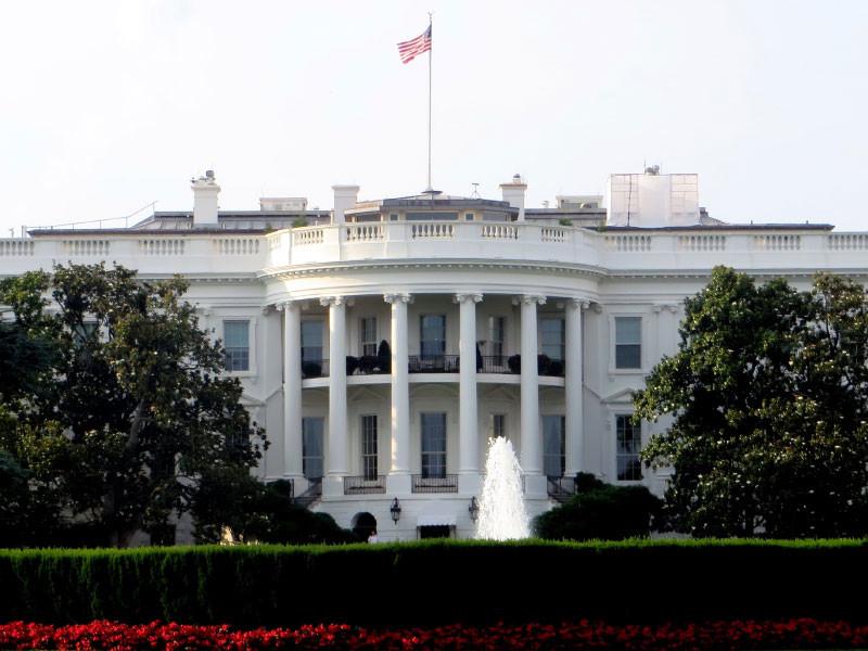 """Белый дом опроверг информацию о прослушке телефона Дональда Трампа"""" />"""