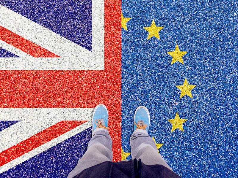 """Полмиллиона человек вышли на улицы Лондона, требуя нового референдума по Brexit (ВИДЕО, ФОТО)"""" />"""