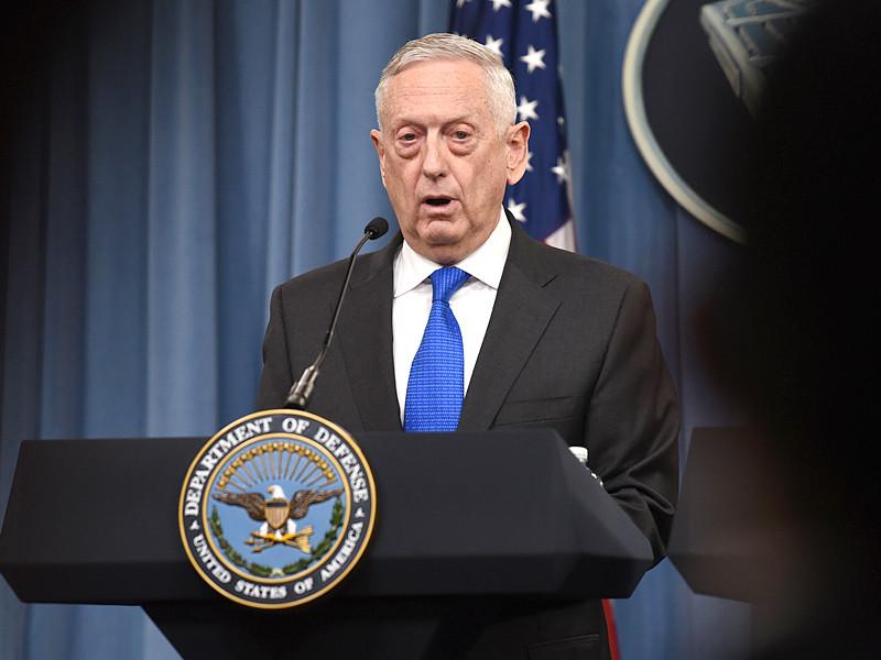 """Пентагон отправляет войска к границе с Мексикой, чтобы остановить """"караван мигрантов"""""""" />"""