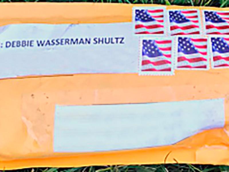 """NBC: у поклонника Трампа, обвиняемого в рассылке бомб, нашли список на сто адресов"""" />"""