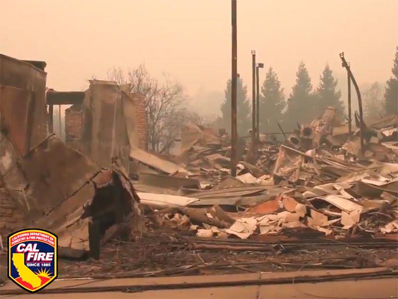 """Ущерб от самого разрушительного природного пожара в истории Калифорнии оценили в """"миллиарды долларов"""""""" />"""