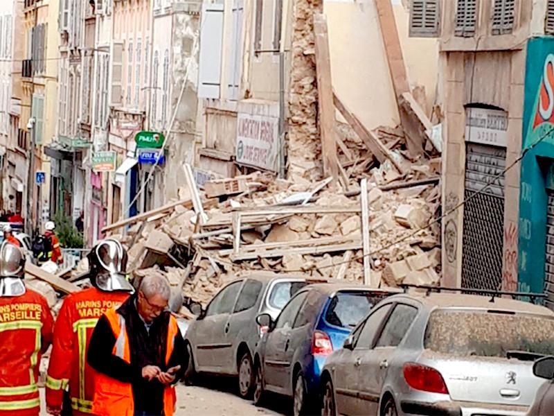 В центре Марселя обрушились два здания