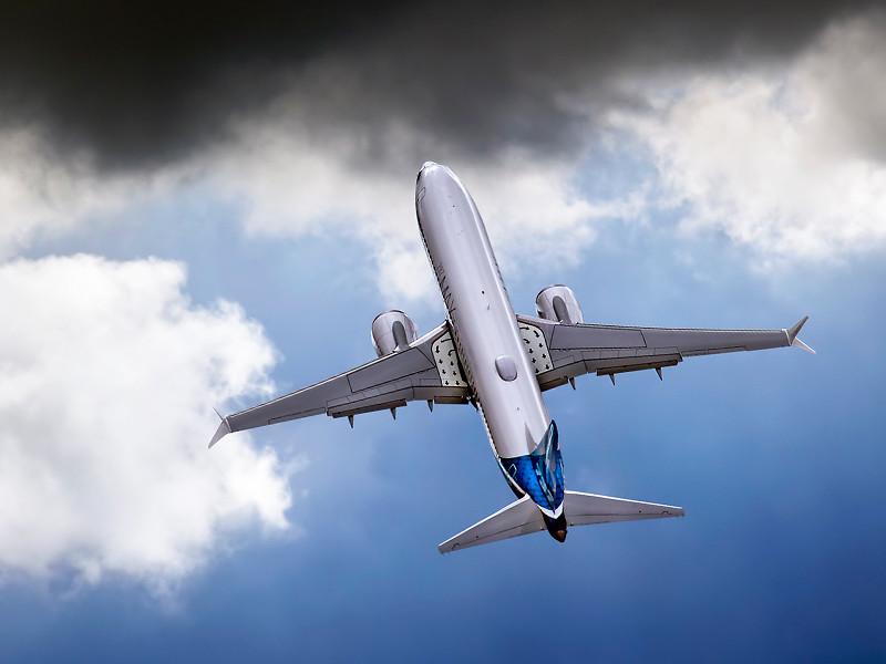 Почти у 250 новых лайнеров Boeing 737 Max могут возникнуть проблемы с датчиками контроля полета, что может привести к крушению