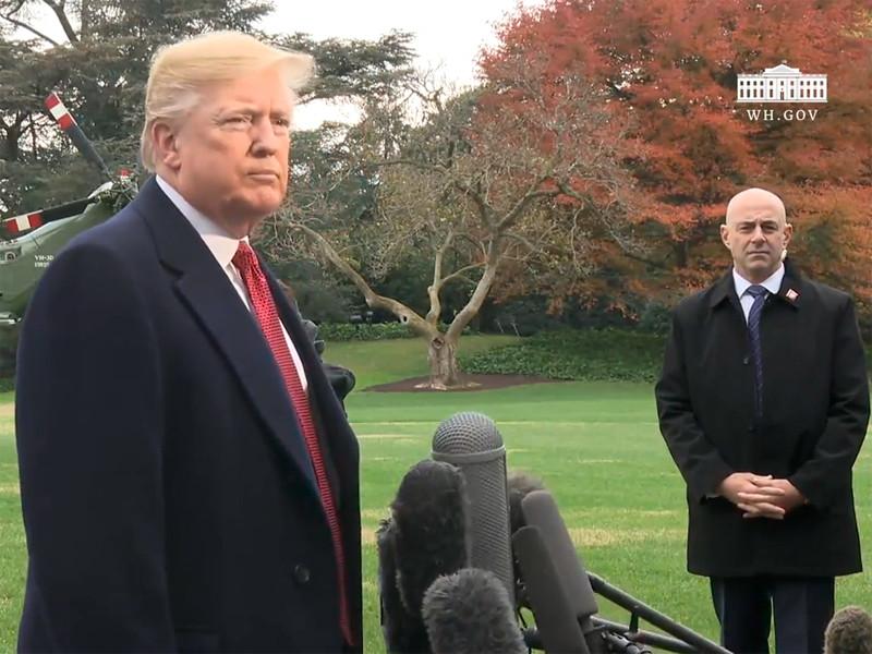 """Трамп грозит лишить пропуска в Белый дом еще нескольких журналистов, которые """"не демонстрируют к нему уважения"""""""" />"""