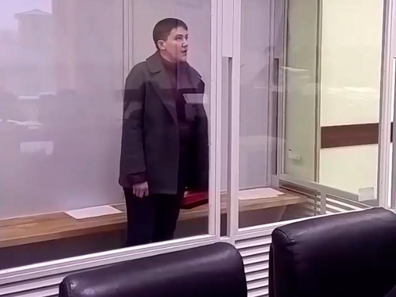 """Депутат Украины Надежда Савченко, обвиняемая в попытке свержения конституционного строя, объявила сухую голодовку"""" />"""