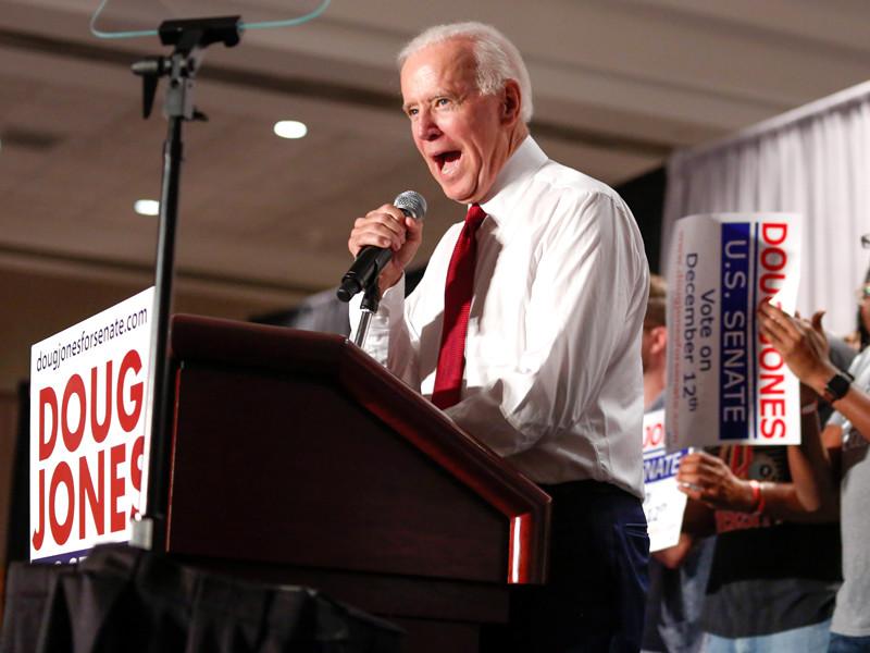 """Опрос активистов Демпартии США: большинство видят кандидатом в новые президенты Джо Байдена"""" />"""