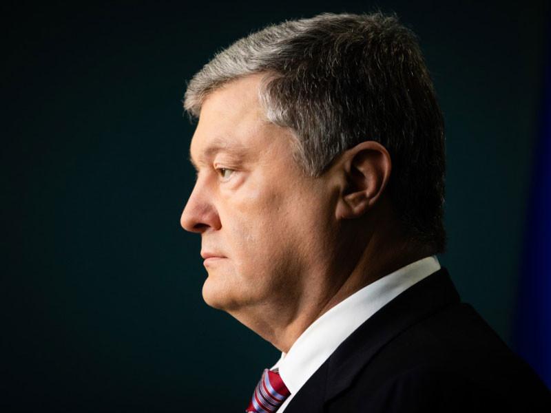 На Украине истек срок действия военного положения. Президент Украины Петр Порошенко объявил об этом решении, уточнив, что не намерен продлять действие военного положения