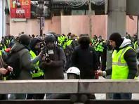 """Власти Франции, во многих городах которой уже четвертую неделю не стихают протесты """"желтых жилетов"""", приступили к расследованию возможной причастности России к волнениям"""